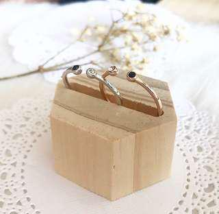 Gemtle Minimal Bezel Ring