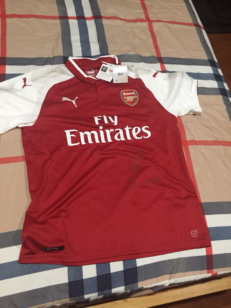 4aa86d57b Brand new Arsenal Jersey Authentic Pires Signed 17 18