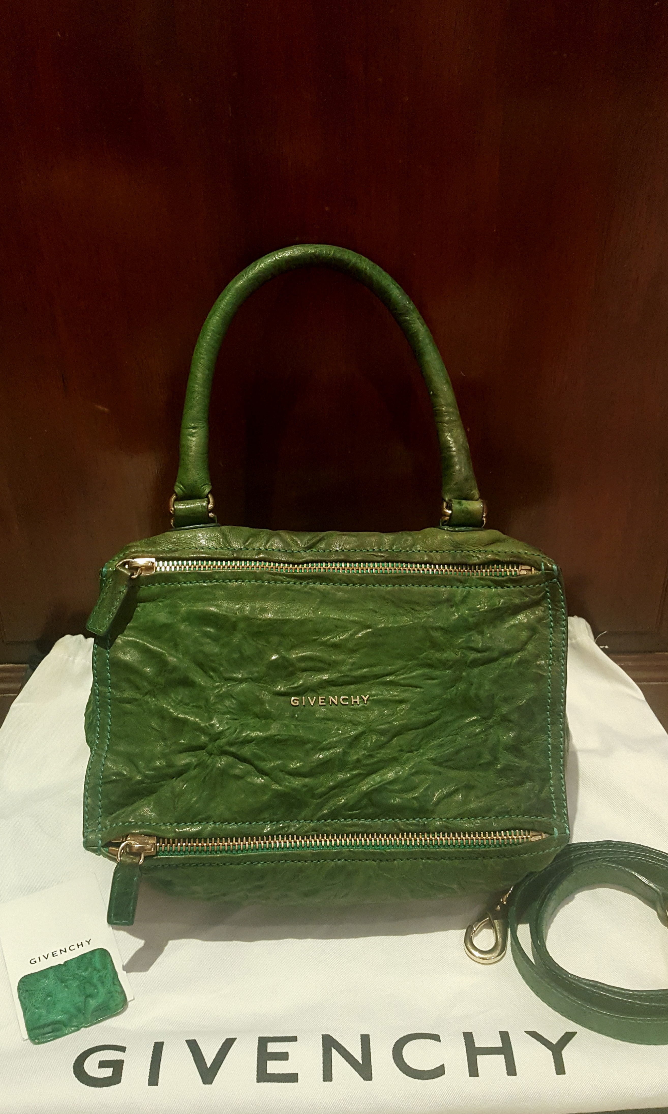 ✓Authentic GIVENCHY Pandora Small Forest Green 24771603d50f1