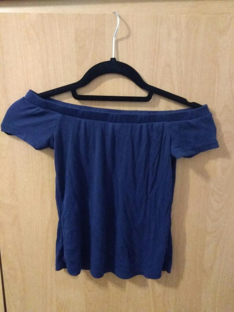 Bluenotes off the shouldee top