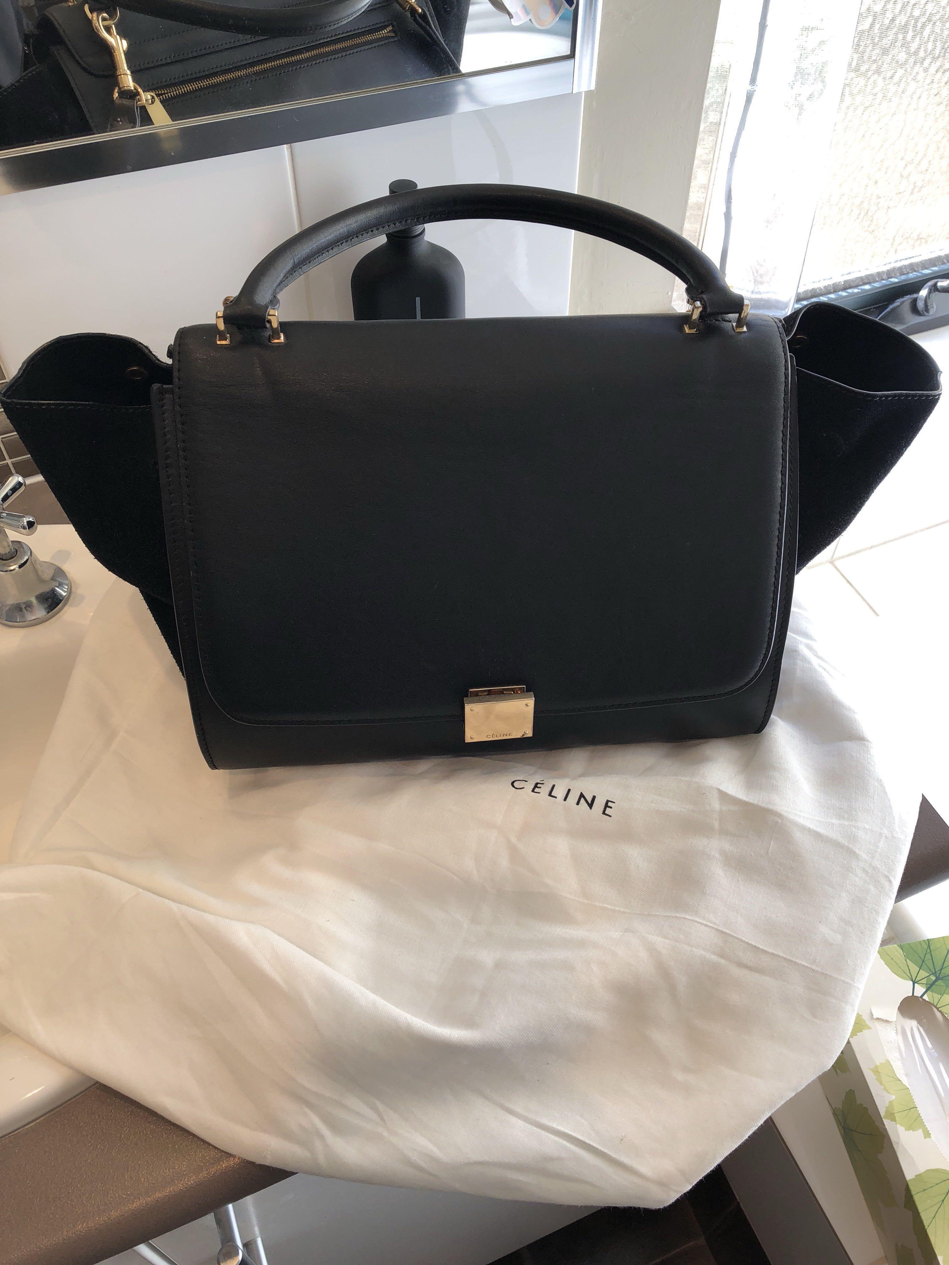 74145d3e6e3a Celine black leather large trapeze bag with gold hardware