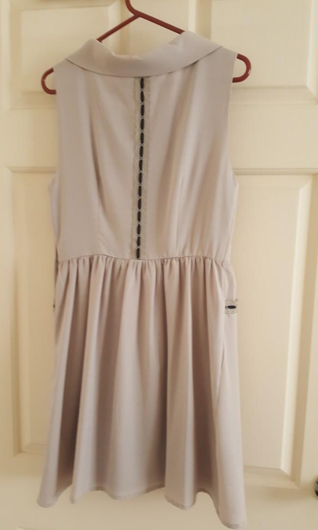 Dress with cute pocket detail. Size XS
