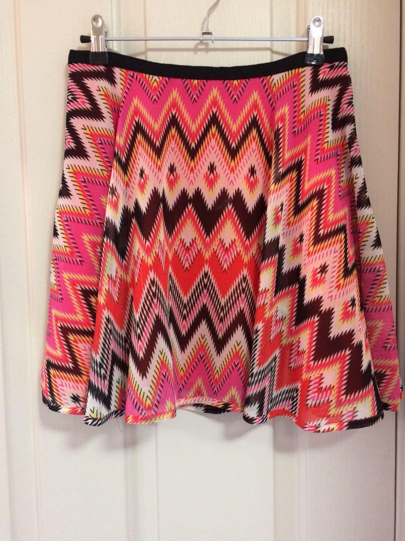 FOREVER NEW Aztec Inspired mini skirt