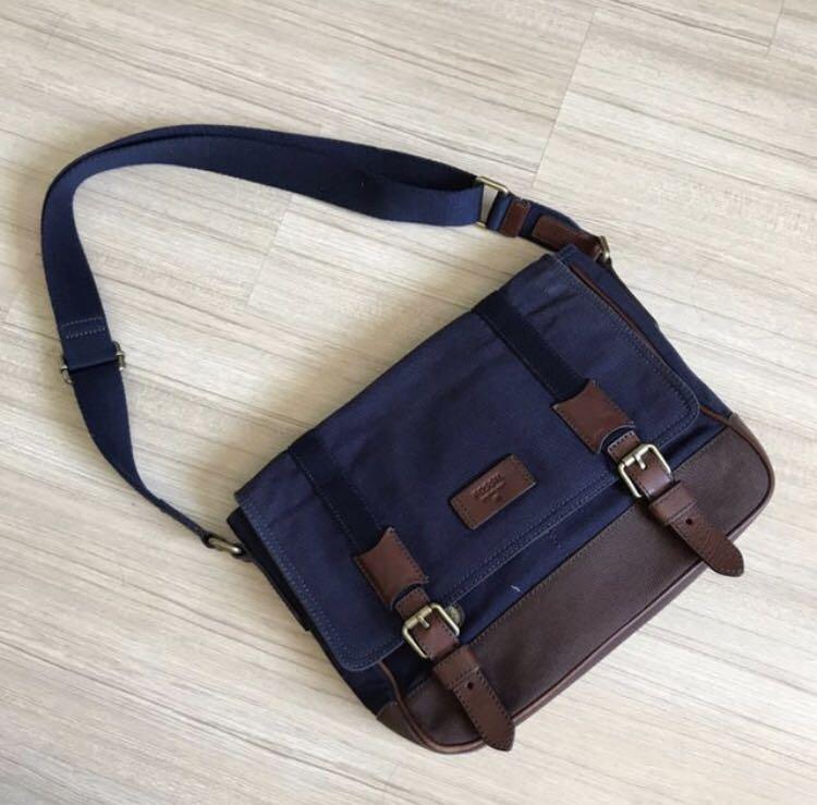 6d8007d3ed16 Fossil Sling Bag