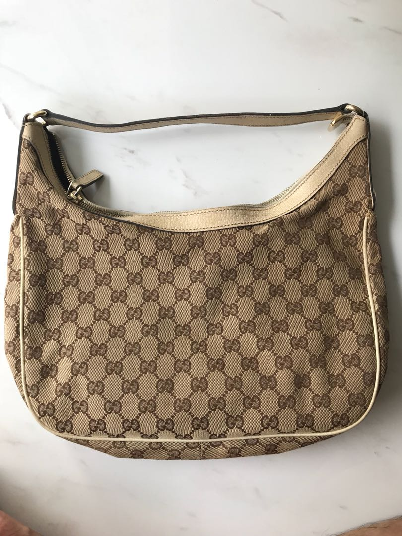 8ad673ab675 Gucci White Leather GG Jacquard Canvas Charmy Bag