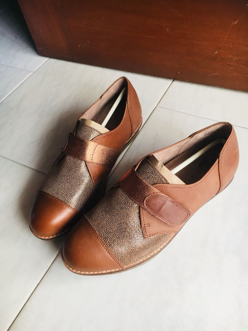 Clothing, Shoes & Accessories Homy Ped Ladies Gold Leather Evening Shoes Size 9.5