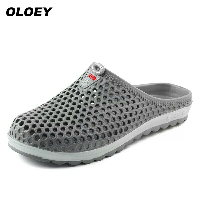 Hot NEW Summer Men Sandals Fashion Hollow Out Breathable Beach Slippers