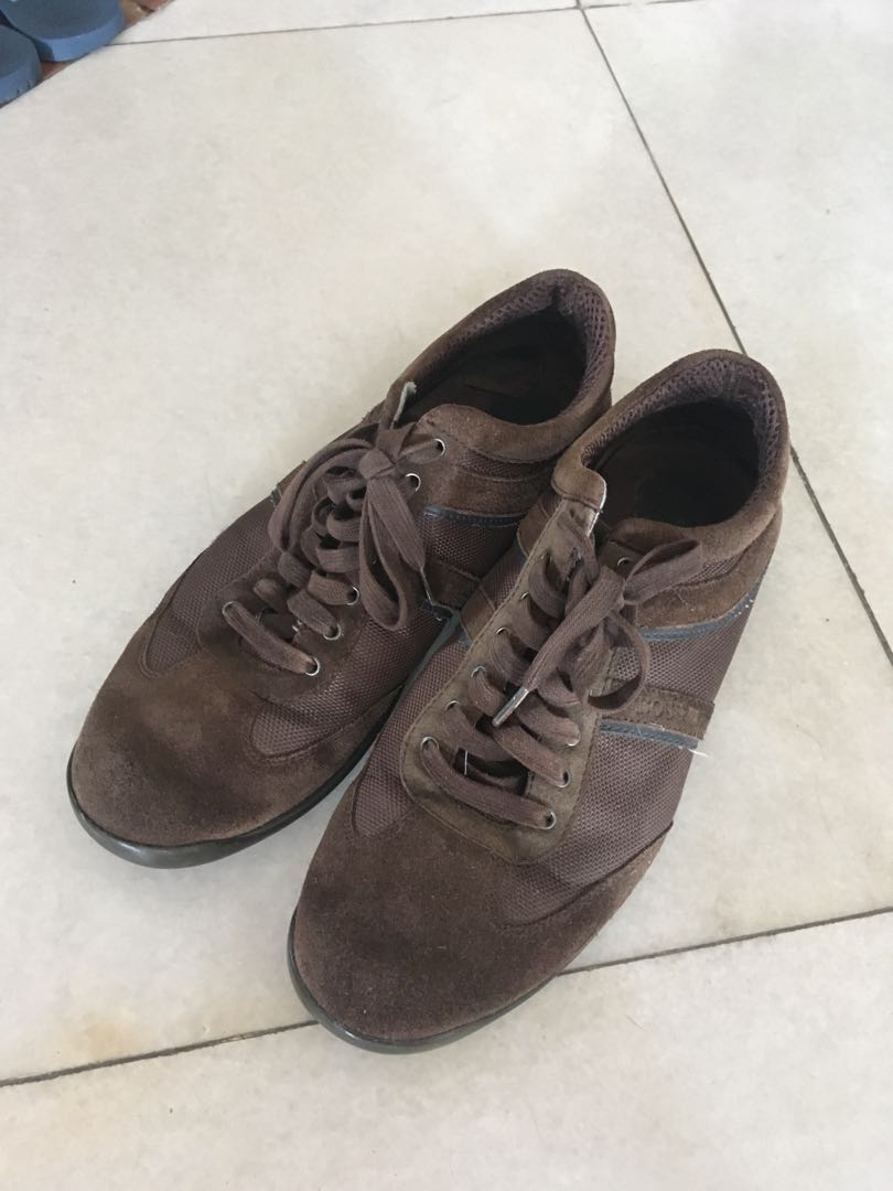 2cea40104 Hugo Boss Suede Casual Shoes, Men's Fashion, Footwear, Slippers ...