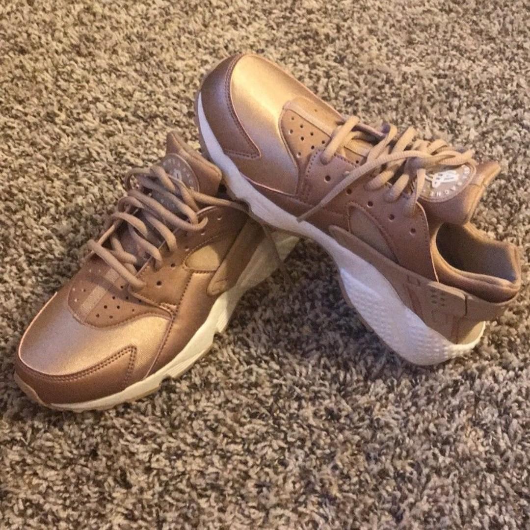 a66e3d95648 ... cheap nike air huarache run premium rose gold womens us 8 shoes womens  fashion shoes on