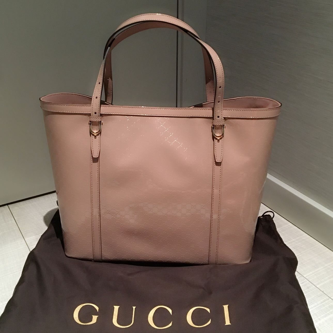 3402a40d3c85 PINK GUCCI PATENT LEATHER MONOGRAM EMBOSSED MICROGUCCISSIMA TOTE BAG ...