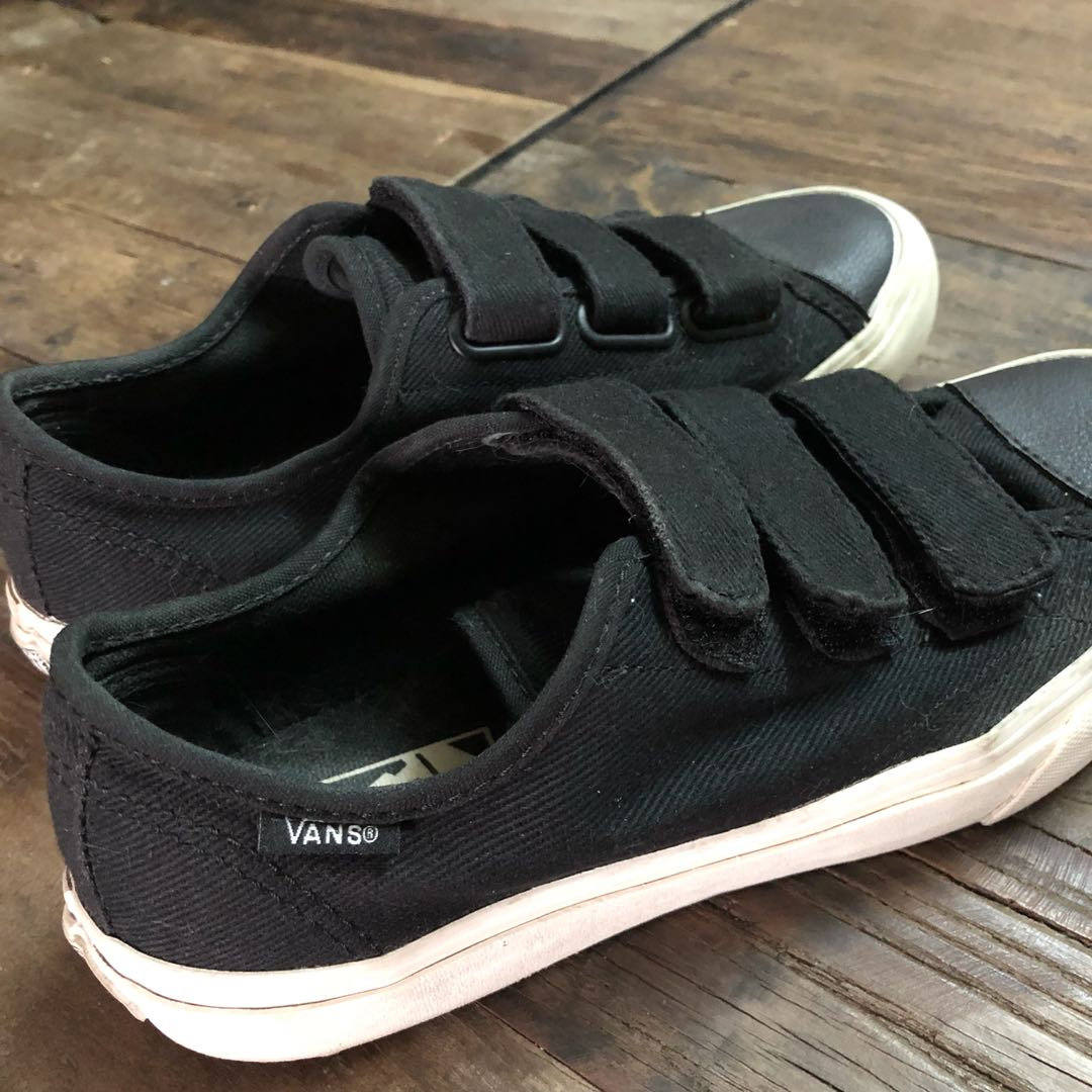 ffcdd4812c Vans Prison Issue US Men 6   US Women 7.5