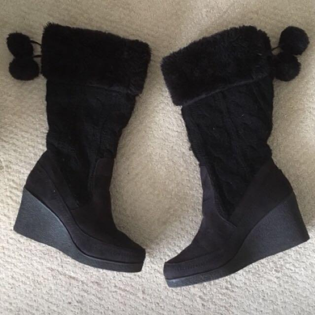 Winter boots size 9 American eagle