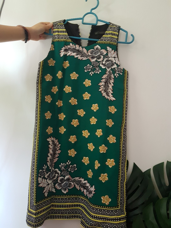 8d59a63b Zara TRAFALUC collection printed dress, Women's Fashion, Clothes ...