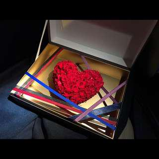 永生花心型花盒-日本小玫瑰