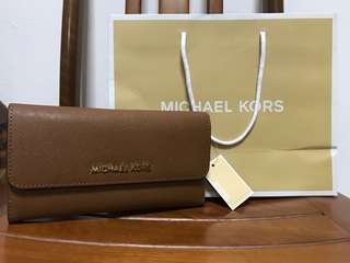35f7bf48d ... Case Wristlet Michael Kors Brown Jet Set Travel Flat Wallet NWT MICHAEL  KORS JET SET TRAVEL CARRYALL NICKEL LEATHER PURSE ...