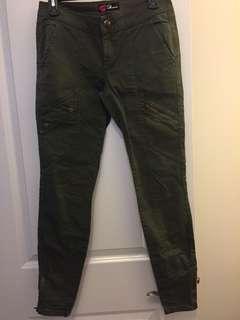 Cargo style skinny jeans