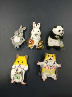 兔兔 兔仔 熊貓 倉鼠 跳舞 買野 胸針 扣針 一套5個