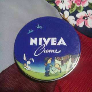 🌸 nivea creme made in germany