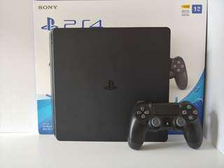 PS4 HDR 1TB with a controller *Brand New*