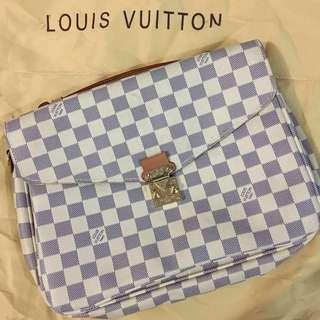 👜 Louis Vuitton pochette metis damier