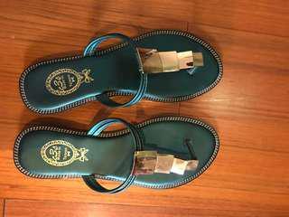 🚚 9成新拖鞋—24號版小