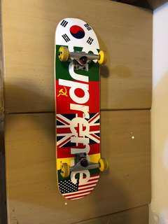 Supreme 滑板