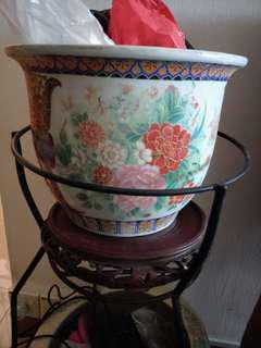 🚚 Porcleain ceramic flower pot 1 big 1 small. Small one 20$ big one 30$