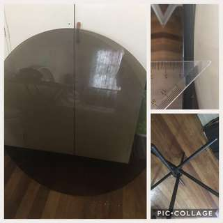 4 Seater Round Glass Dining Table, 42 in diameter,