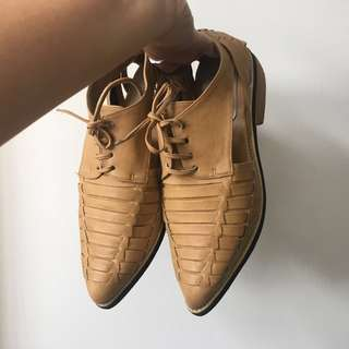 Leather shoes by RETAIL THERAPY