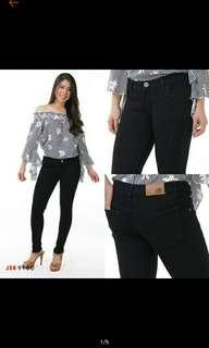 Jeans skinny hitam