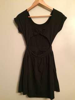 Backless dress (LBD)