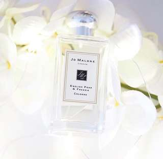 JO MALONE ENGLISH PEAR AND FREESIA 😍