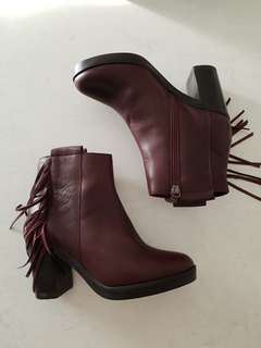BURGUNDY BOOTS   SIZE 36