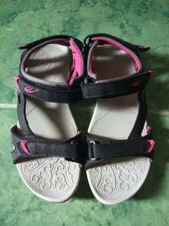 Sale! Authentic world balance sandals as good as new
