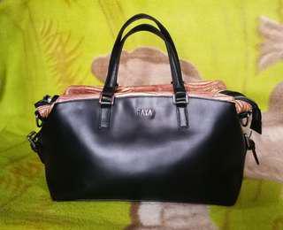 GAYA Leather Hand Bag