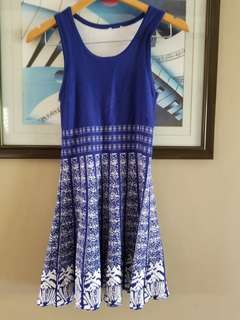 Blue knitted printed dress