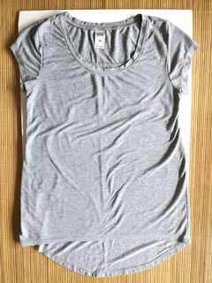 GIVEFREE RM30 | PRELOVED women's round neck fitting cotton light grey top with long back - in fair condition