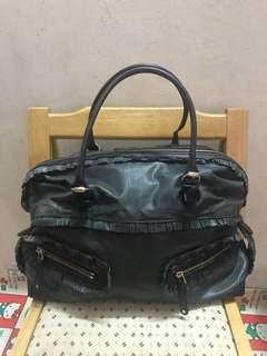 Authentic Gucci leathers bag, 80%new, conditions as pic, size 40*26*12cm