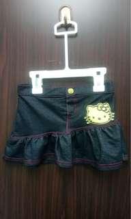 全新Sanrio hello kitty 仿牛仔布短裙(4歲) 送平郵