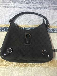 Authentic Gucci bag,80%new,good conditions ,size 25*25*4cm