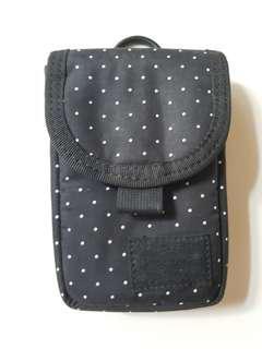 Head porter pouch