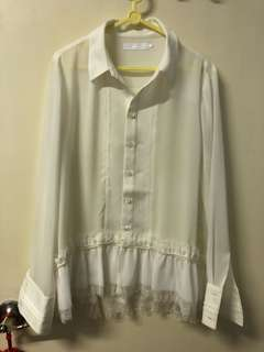 Initial white shirt