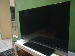Sony Bravia Smart LCD TV 32 inch - Faulty
