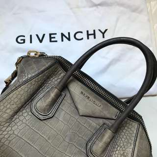 Givenchy antigona medium crocodile bag 可側孭或手挽