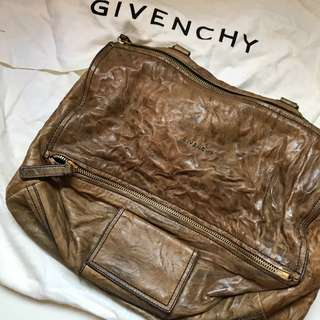 Givenchy Pandora medium Box Leather Crossbody Bag  袋 可斜孭