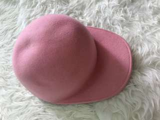 Comme Des Garcons 粉紅色絨帽