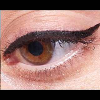 ROCK N' ROLLER EASY EYELINER INK (Black Moon)