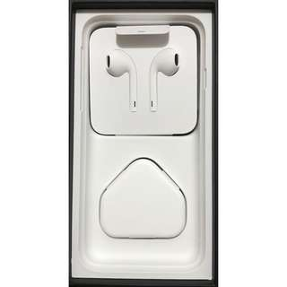BNIP APPLE IPHONE EARPIECE/HEADPHONE WITH CABLE/CHARGER