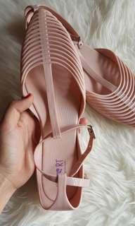 REPRICE!!! Sepatu Little Things She Needs NEW