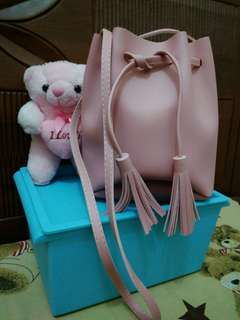 Pinky Bucket Bag